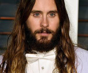 """Jared Leto is officially the prettiest Joker ever. """"Suicide Squad"""" director David Ayer just shared the first photos of the """"Dallas Buyers Club"""" star's…"""
