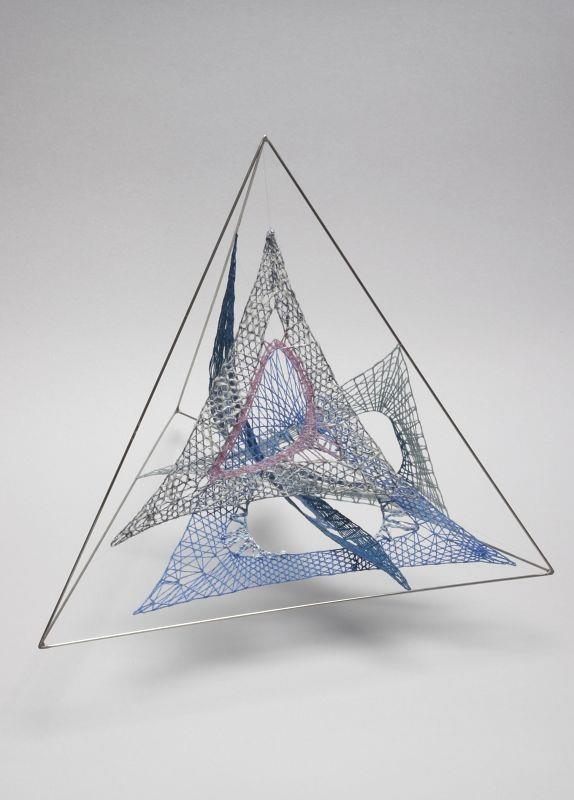 Bobbin lace. Pirámide