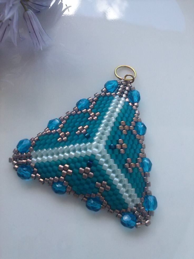 Peyote triangle pendant