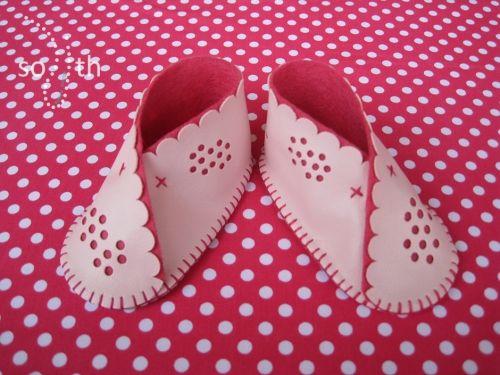 regalos para bebes-frambuesa. Zapatos bebe Sofia's things. http://sofiasthings.com/producto/zapatos-bebe-frambuesa/