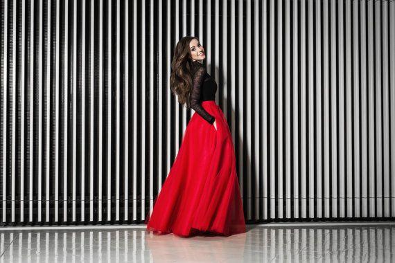 Maxi tulle skirt with pockets tulle skirt red skirt by Fanfaronada
