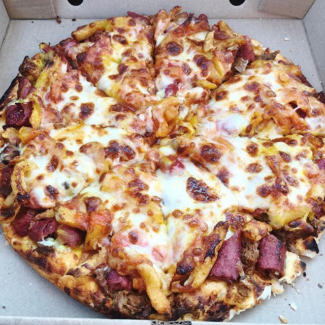 The Legendary Wonder Why Pizza From Akhalz Joburg People Will Recognise It If You Haven T Had It Yet It S Loaded With Steak Chips Steak And Chips Food Pizza