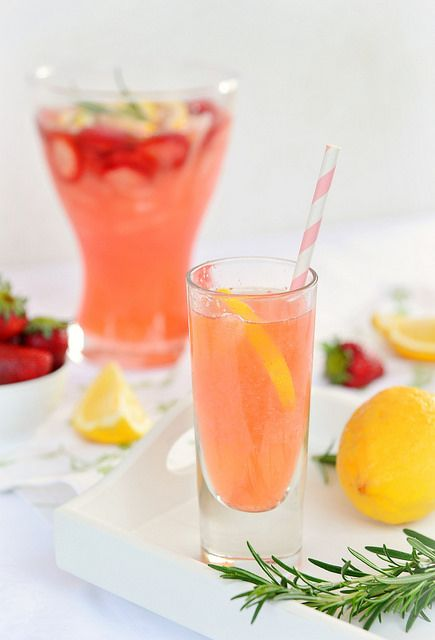 Strawberry-lemon-rosemary lemonade | Flickr – Condivisione di foto!