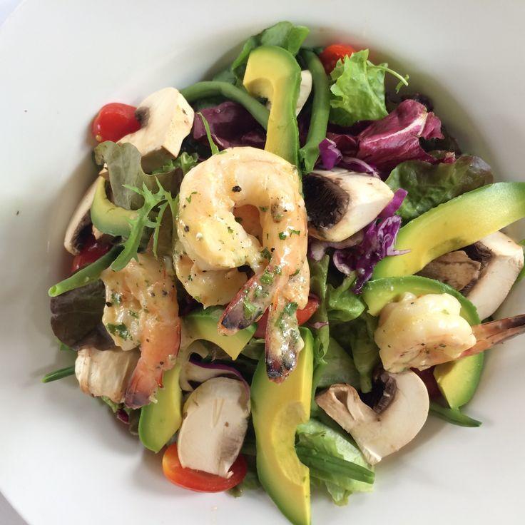 Lunch today in Bangsar, KL. Shrimp and avokado salad. Great taste.