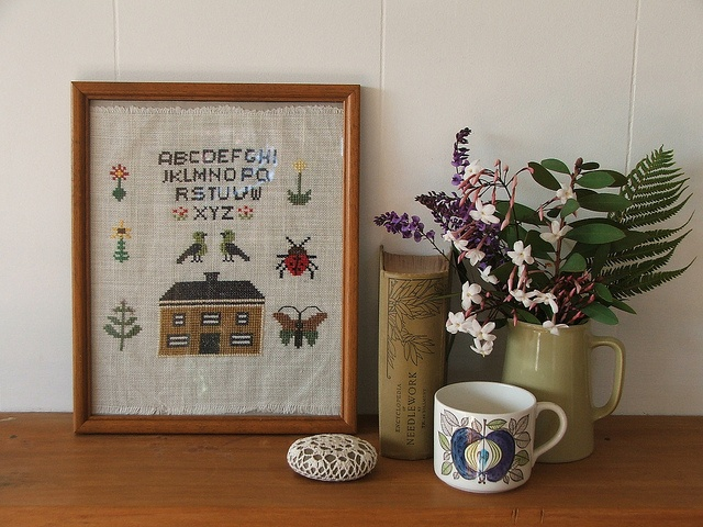 This picture makes me happy. I need more stitchery. :): Picture, Inspiration, Tiny Happy, Happy Sampler, Photo