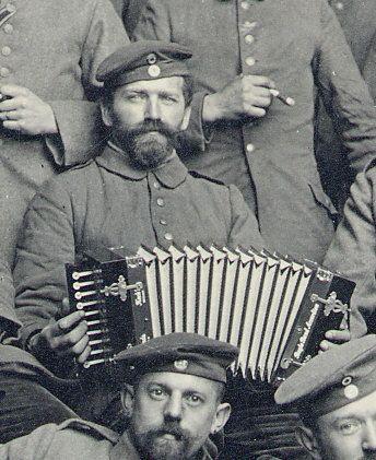 Joueur d'accordéon diatonique allemand