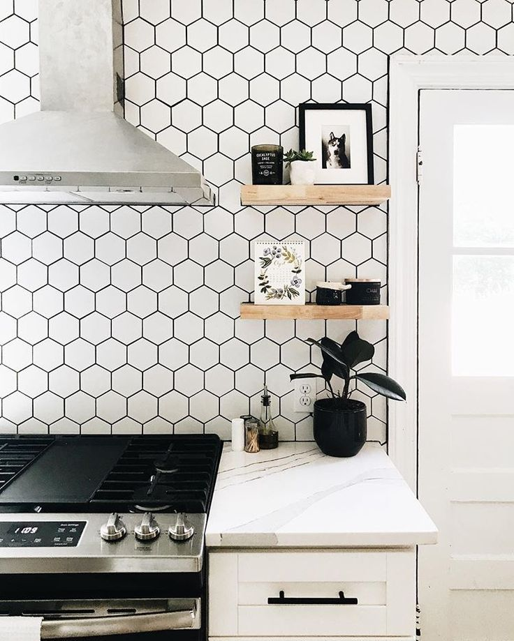 Cabinet Sample Malibu White In 2020 Backsplash For White Cabinets Kitchen Backsplash Designs White Shaker Cabinets