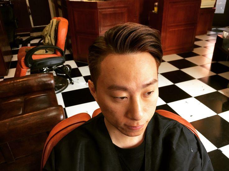 란조바버헤드.brown hair dyeing . . . . . . . . #밤므 #홍대바버샵 #홍대 #합정 #상수  #이발소 #란조 #남자머리 #korea #barbershop #conceptbarbershop #bombmme #ranjo #bombmmebarbershop #daily #hairstyle #instagram #instagood #✂️  @wahlpro @londonschoolofbarbering @reuzel @the_bloody_butcher @schorembarbier @savillsbarbers @frankiedesigns @barbershopconnect @worldbarbershops @andisclippers @officiallayrite @osterpro @showcasebarbers @barberlessons_ @blindbarber @suavecitopomade