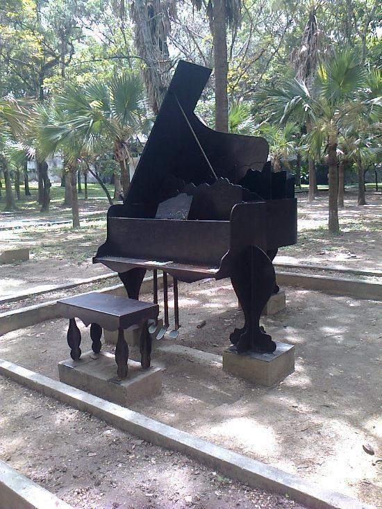 Parque Los Caobos, Caracas: Consulta 67 opiniones, artículos, y 19 fotos de Parque Los Caobos, clasificada en TripAdvisor en el N.°32 de 117 atracciones en Caracas.