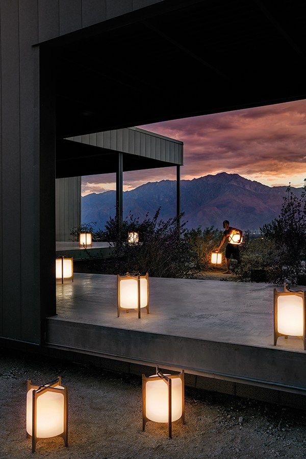 Outdoor modern floor lamps inspirations #FloorLamp #Heritage For more inspiring images, click here: http://www.delightfull.eu/en/