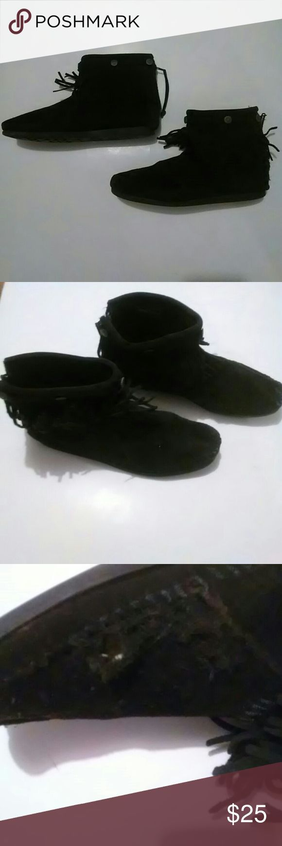 MINNETONKA MOCCASIN ANKLE BOOT Black ankle boots needs a little TLC on the left boot.. It has a hole and need stitching..  Size: 9 Minnetonka Shoes Ankle Boots & Booties