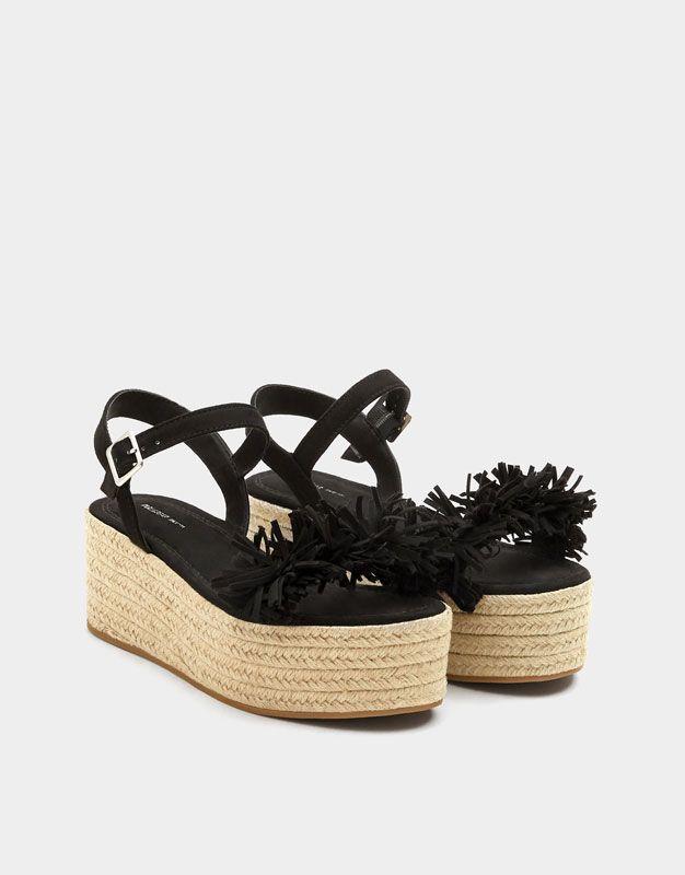 1a8c9d57 Cuña negra yute fantasía - PULL&BEAR | Zapatos-Plataformas en 2019 ...