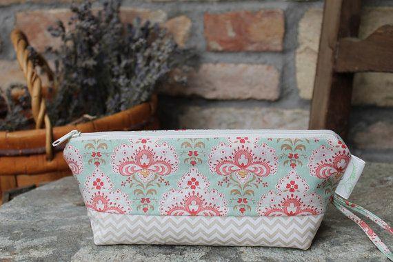 Cosmetic pouch Light beige chevron  Pencil case floral cotton make up bag zipper #zipper #canvaspurse #pencilcase #flowerspurse #womengift #toiletrybag