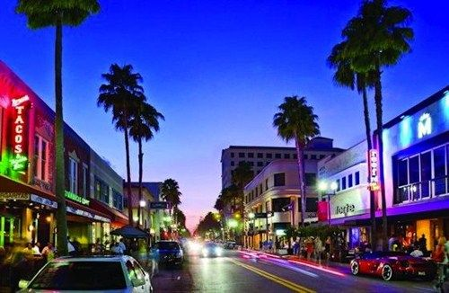 West Palm Beach Nightlife | West Palm Beach, Florida - Palm Beach nightlife - West Palm Beach car ...