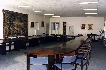 http://www.indiamart.com/tuliincorporates/corporate-interior-design.html
