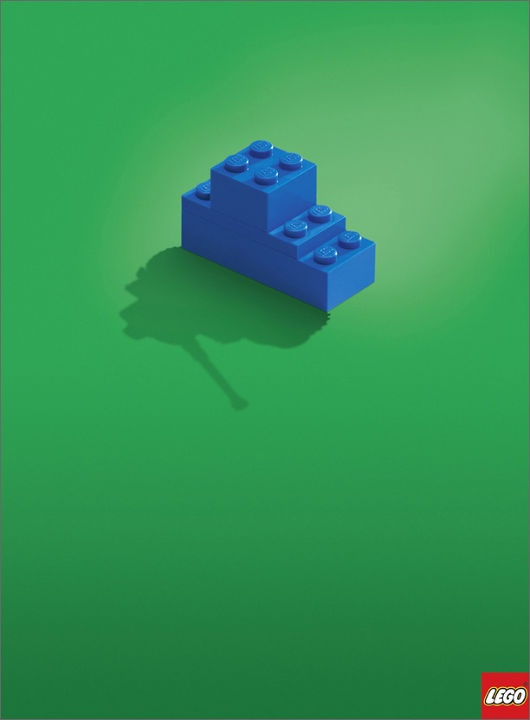 Love the strong imagery of this Lego advertising.
