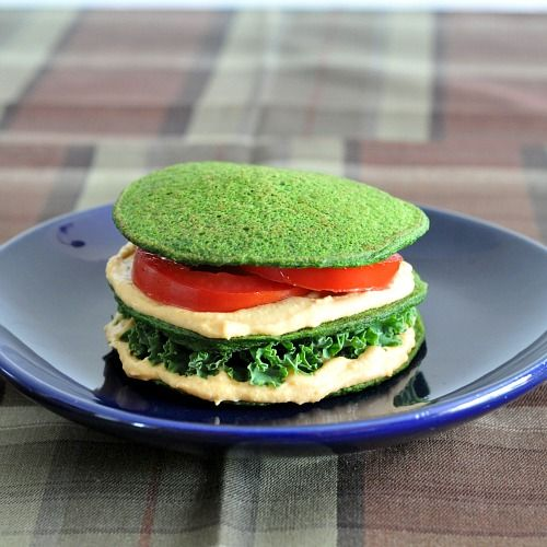 sandwich made out of spinach pancakes.Amazing Recipe, Spinach Breads, Brain Food Recipe, Pancakes Sandwiches, Healthy Kids Lunches, Spinach Pancakes, Healthy Lunches, Spinach Recipe Pancakes, Lunches Recipe