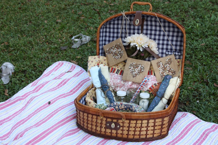 Rehearsal Dinner - Picnic on blankets - each couple gets a picnic basket with dinner already packed and the picnic basket/picnic blanket it for them to keep