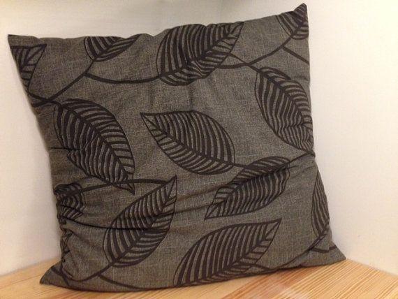 Handmade Gray Leaf Pillow (24x24)