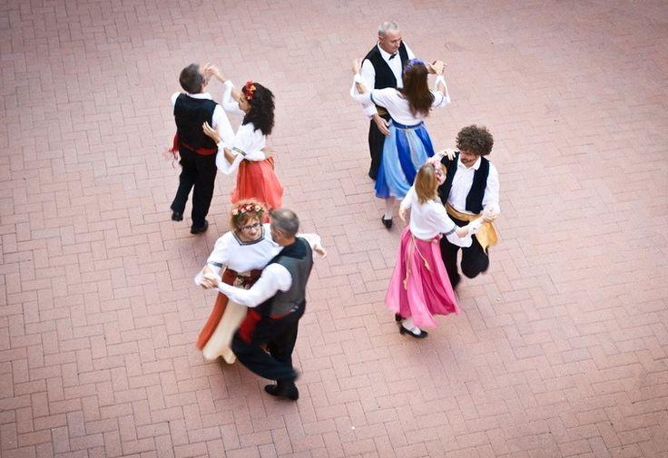 Da venerdì 29 a domenica 31 maggio al Parco Castelli, si svolgerà il Festival della Danza Popolare organizzato dal gruppo di danza popolare Il Salterio.