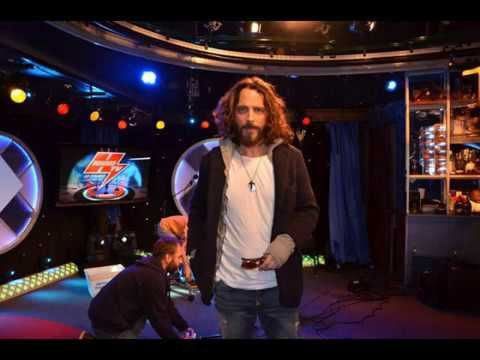 Chris Cornell Interview on Howard Stern 2011 Full<---listen to the video and he sings Imagine by John Lennon at 26:19 and a Led Zepplin song at 34:42