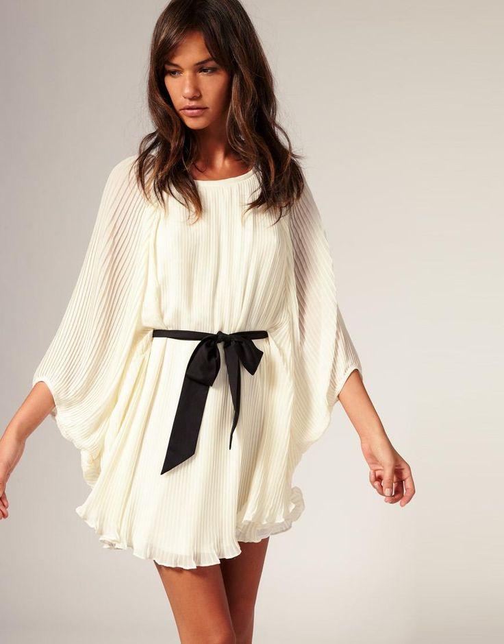 River Island | River Island Blouson Pleat Dress With Belt at ASOS