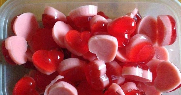 Below is the recipe for how to make sweets the Slimming World way:     Ingredients:     2 sachets of jelly   2 sachets of gelatine   1 mull...