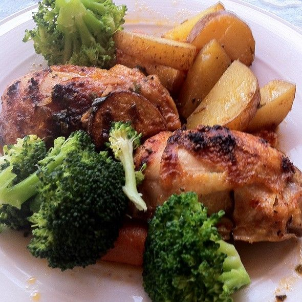 Receta de pollo al horno con lim n y romero acompa ado de - Pechugas de pollo al limon ...