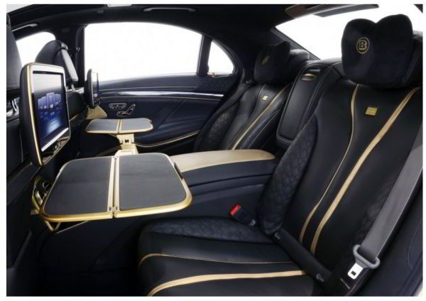 Брабус представил золотой Mercedes на автосалоне в Дубаи