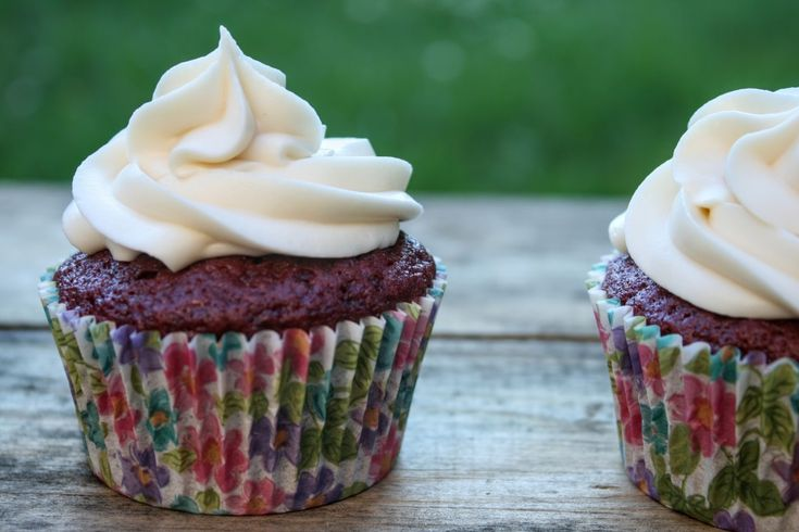 Red Velvet Cupcakes (Vegan, No Artificial Dyes with a Gluten-Free Option)