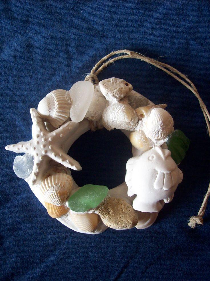 Ghirlandina profumata al limone - Lemon scented plaster wreath.