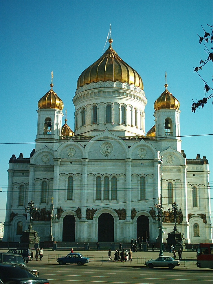 Also near the Novokuznetskaya metro station is this cathedral.  It was torn down during the Stalin regime and rebuilt by the will of the people in the last decade of the 20th Century.  I have several emotional attachments to this building from 2002; many good, some not so good, all strong to this day.  This photo was of my first sighting.