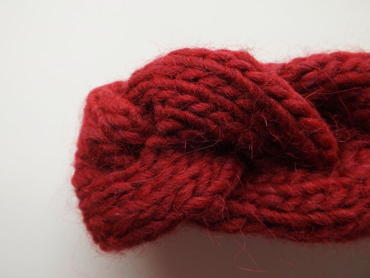 JANIS   Fascia a treccia color bordeaux interamente lavorata a mano, 15€ handmade by dolcedormireknitwear