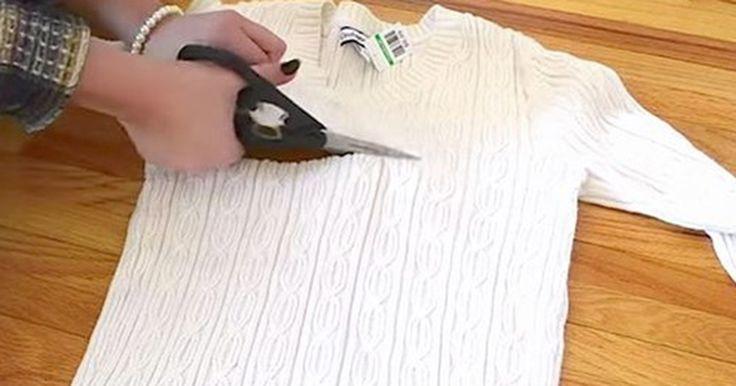 Hon tar fram en sax och klipper sönder tröjan. Minuter senare… Detta måste jag testa innan vintern kommer.