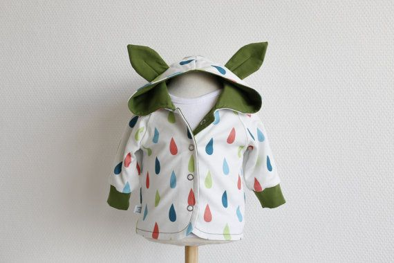 Cool reversible baby hoodie with ears. White organic knit fabric with drops and green jersey. Size: 1 - 3 months. Ready to ship