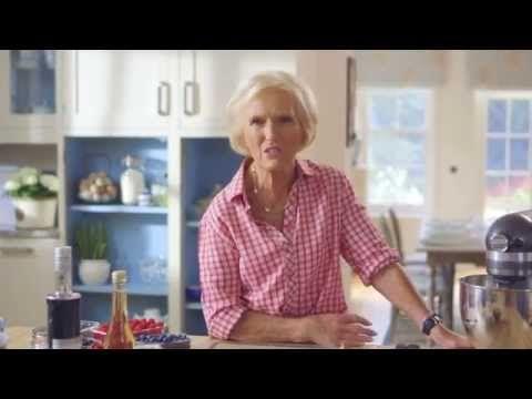 Mary Berry's Pavlova - YouTube