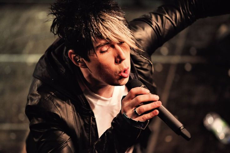 Marianas trench celebrity status acoustic chords for songs
