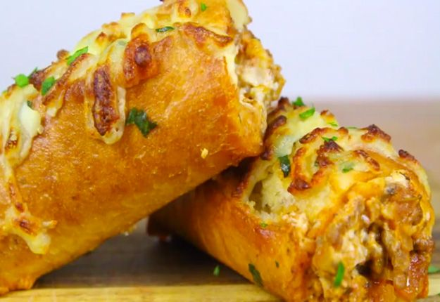 Lasagna Dip Stuffed Garlic Bread That�s To Die For