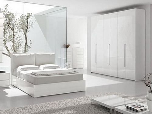 Clean, white bed lines. white-bedroom-set-full-transparant-mirror-cabinet-for-bedroom-white-lacquered-wood-side-table-white-ceramic-laminate-flooring-beige-wood-bed-frame-no-headboard-white-bedroom-furniture-completed.jpg (500×375)
