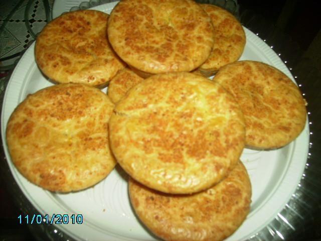 Ingredientes:1 ovo inteiro1 xícara de óleo1 e 1/2 xícaras de leite2 colheres de sopa de queijo ralado1 pitada de sal2 xícaras de farinha de trigo1 colher de sopa de fermento em p?1 peito de frango ...