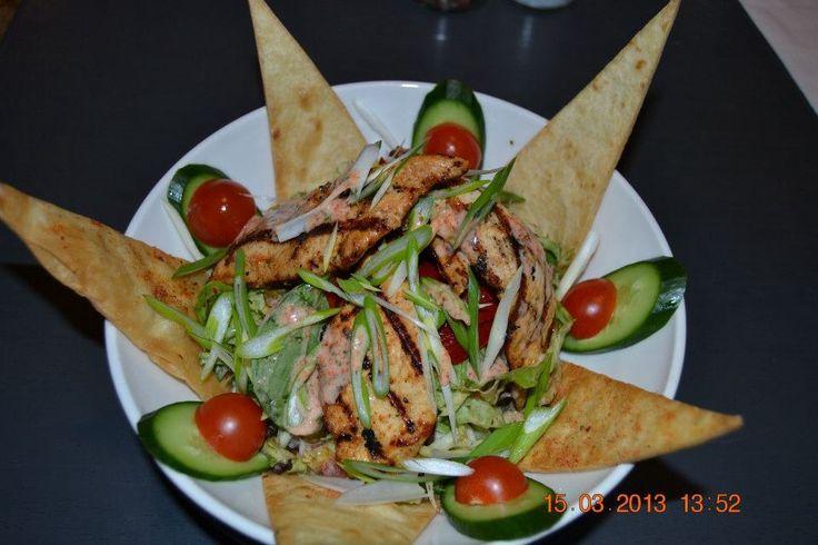 Tavuk salata