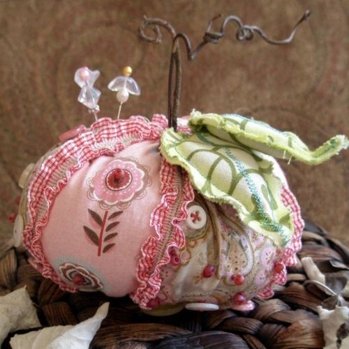 pumpkin pincushion...