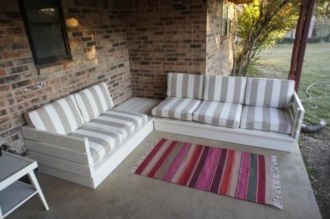 Outdoor sectional couch