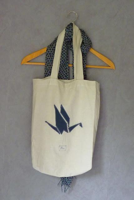 pi tote bag motif grue en origami sac toile pinterest origami sacs et tote bags. Black Bedroom Furniture Sets. Home Design Ideas
