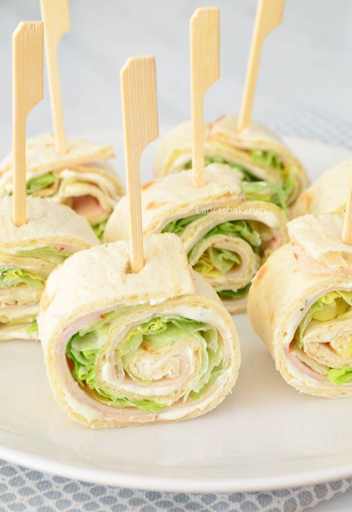 Wrap hapjes met kruidenkaas, kipfilet en sla