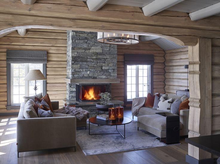 Uma casa de campo de madeira clara para o inverno | Casinha colorida