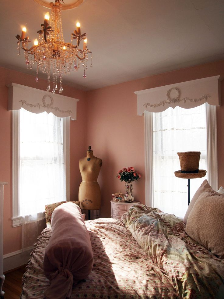 23 best shabby chic window coverings images on pinterest for Bedroom window styles