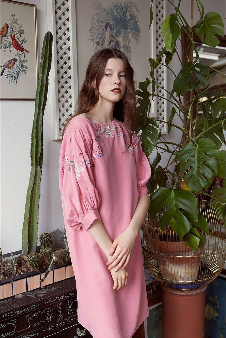 Sfilata Vilshenko New York - Pre-collezioni Primavera Estate 2018 - Vogue