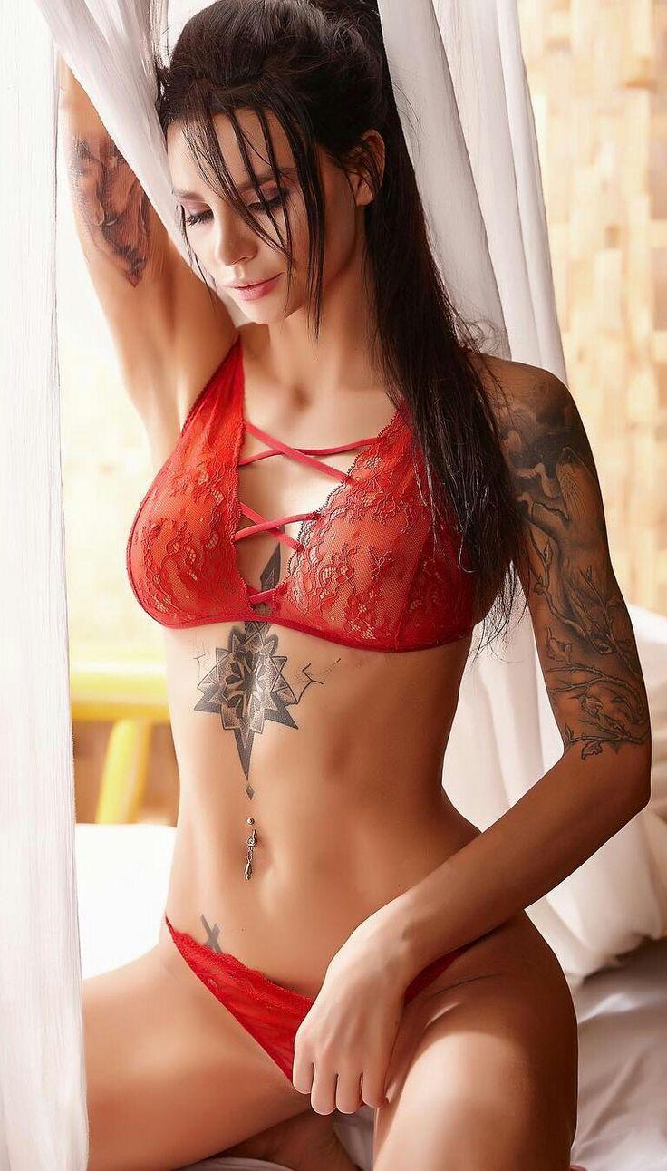 проститутки в татуировках в москве