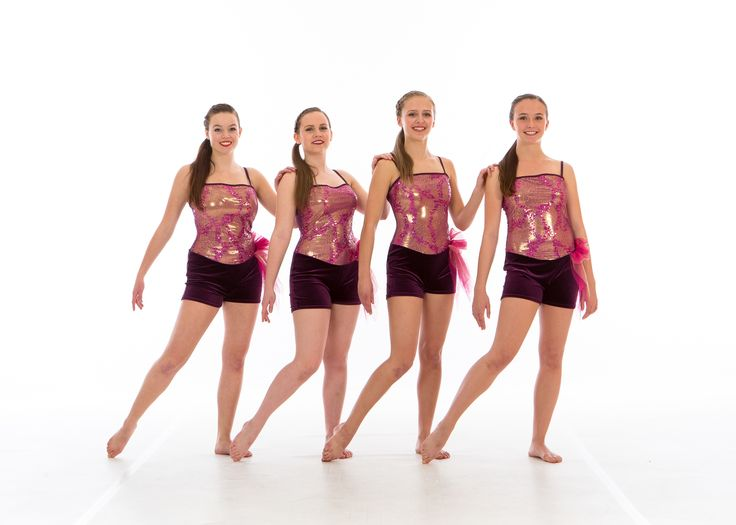 Our Accelerated Program trains dancers at the competitive level